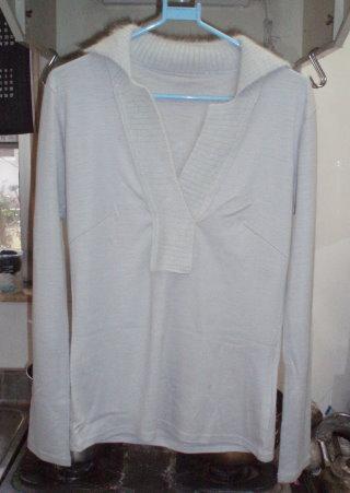 染色前のセーター